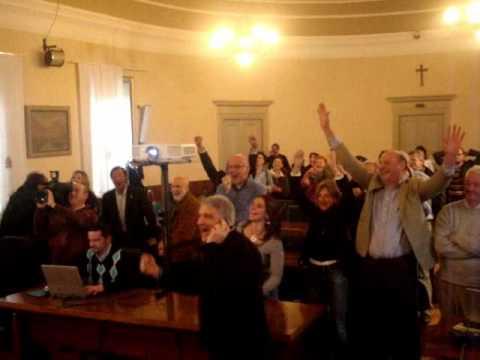 Festeggiamenti del comitato elettorale del sindaco Virginio Brivio. Marzo 2010